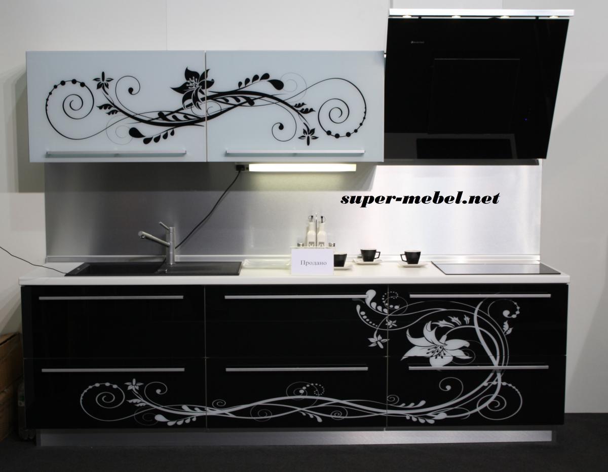 Чёрно-белые кухни дизайн
